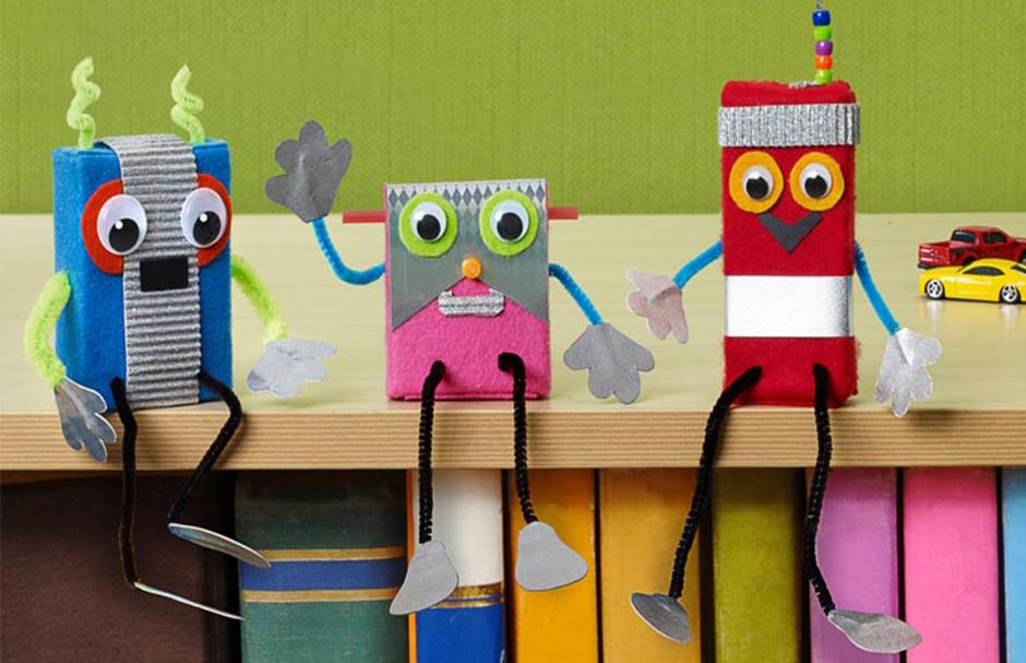 Goofy Desk Robots