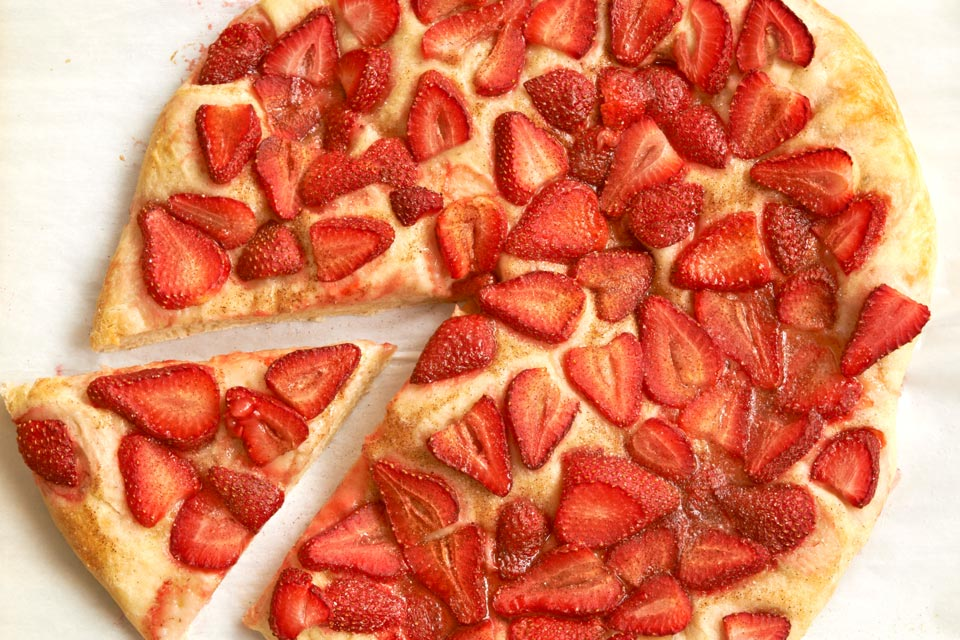 Sweet Strawberry Pizza